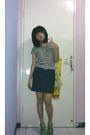 Brown-t-shirt-gray-belt-blue-skirt-green-shoes