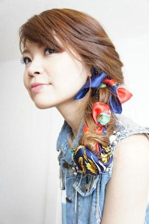 used scarf - Zara top
