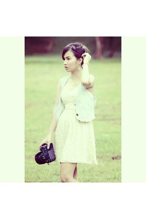 ivory Forever 21 dress - light blue Forever 21 vest