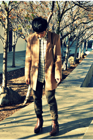nude H&M blazer - dark brown acne boots - white madewell shirt