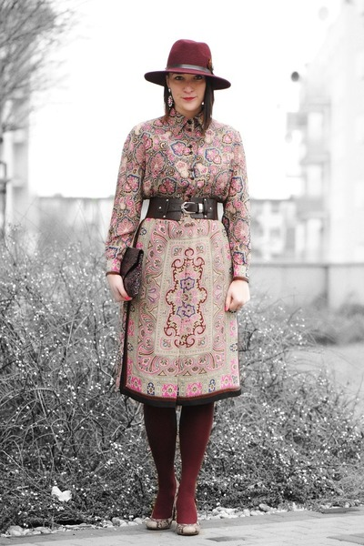 burgundy hat Parfois hat - vintage paisley vintage for ever dress