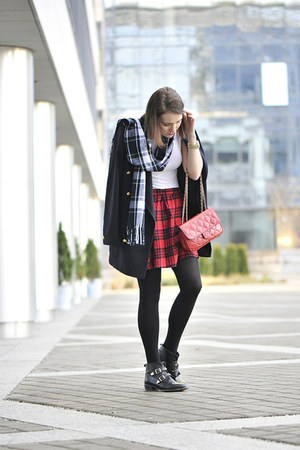 cashmere escada coat - tartan new look skirt