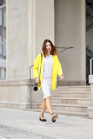 Top Secret skirt - yellow yellow Mohito coat