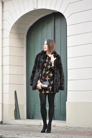 faux fur new look cape