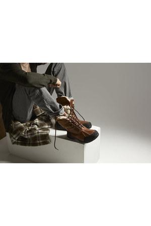warm Ugg boots