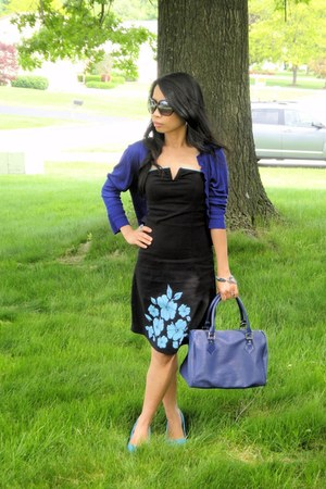 light blue pointed shoes michael antonio shoes - black tube dress - navy leather