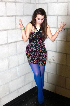 black dress - blue DKNY tights