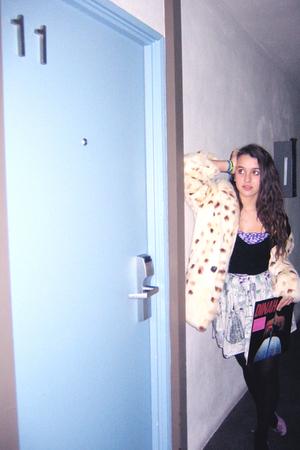 black made by me sweater - purple American Apparel - skirt - beige coat