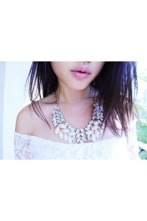 Aicee necklace