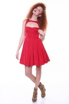 Ruby-red-bb-dakota-dress