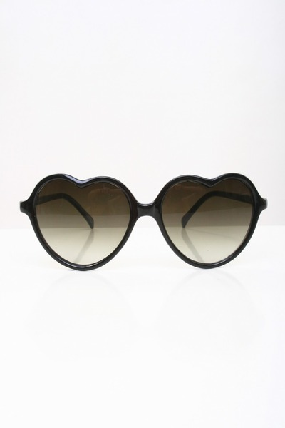 black heart-shaped sunglasses