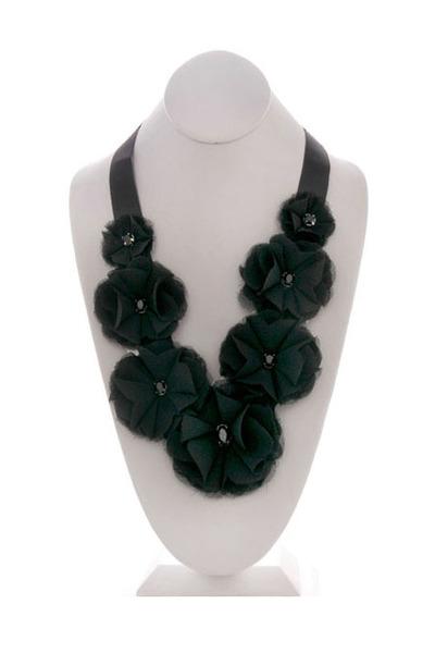 Cora Boutique necklace