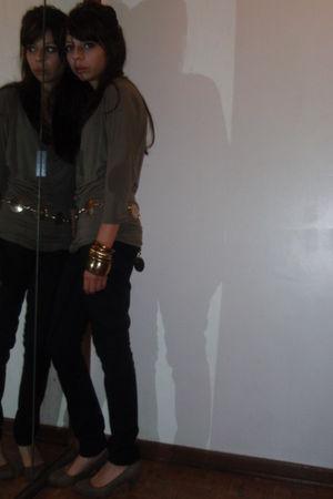 black H&M jeans - brown H&M shoes - black unknown brand hat - gold Vintage store