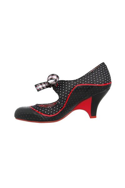 poetic licence heels