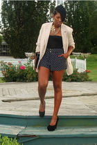 black H&M skirt - beige Forever 21 blazer - black Steve Madden shoes - black Las