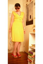 yellow thrifted dress - red gift necklace - red LEI shoes - beige consignment pu