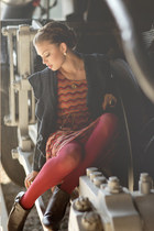 green ring - brick red remy knit 42 dress - camel necklace - black cardigan
