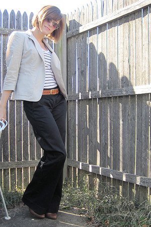 DKNY blazer - Old Navy t-shirt - Gap pants - DKNY shoes - unknown belt