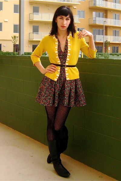 Yellow Banana Republic Cardigans, Blue Unknown Brand Boots, H&M ...