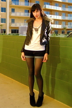 white rachel roy t-shirt - blue BDG shorts - gray American Apparel tights - blac