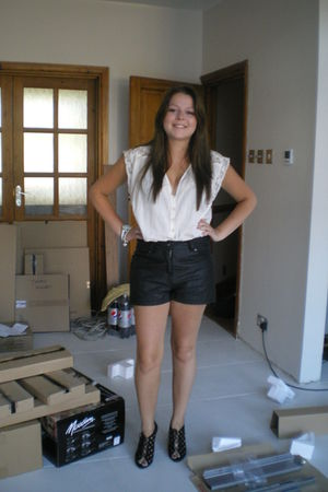 Henry Holland shorts - Topshop top - Zara shoes