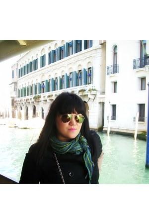 Zara scarf - H&M jacket - Bershka sunglasses