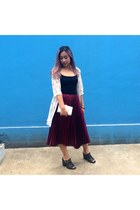crimson skirt - ivory clutch marble bag - black leather Forever 21 clogs