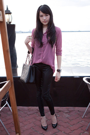 pink blouse - black Topshop leggings - black Chanel bag