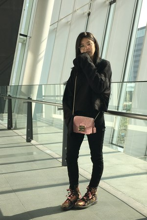 black Dr Martens boots - black Ksubi jeans - light pink Furla bag