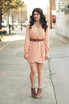 peach lulus dress - Forever 21 wedges - Vivienne Kelly necklace