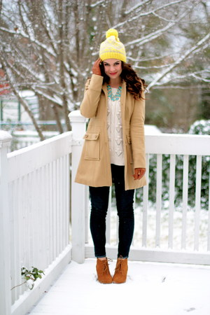 skinnies Gap jeans - camel Tulle coat - pom pom beanie Gap hat