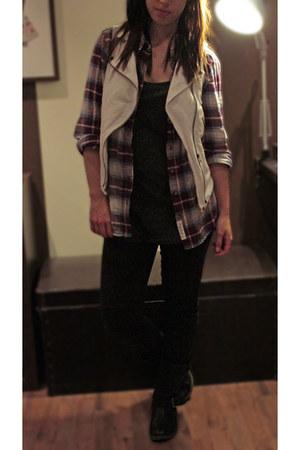 brick red H&M shirt - dark gray H&M top - white Zara vest