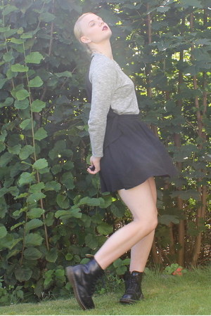 black Monki skirt
