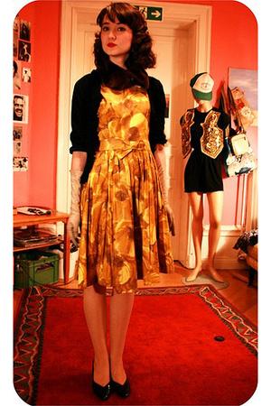 dress - H&M accessories - gloves