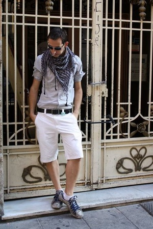 pull&bear scarf - pull&bear shirt - Zara shorts - Converse shoes