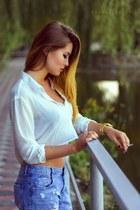 sky blue boyfriend jeans Zara jeans - white Zara shirt - white Converse sneakers