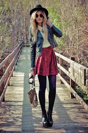 crimson velvet Boohoo skirt - Forever 21 blouse