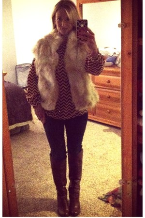 sosie blouse - Nine West boots - Old Navy jeans - Fur Frenzy vest