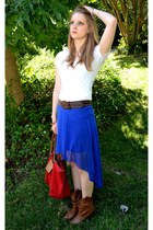 blue decree skirt - white v-neck Old Navy shirt