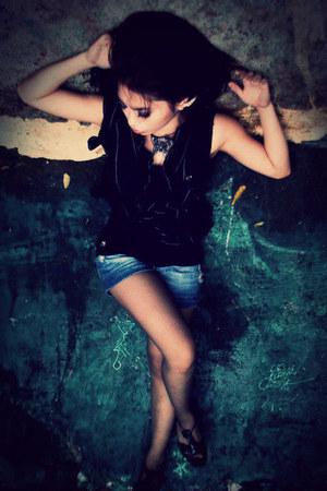 black Aldo heels - blue denim Zara shorts - black Mango vest