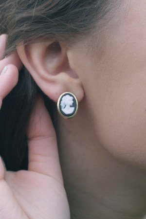 cameo Bizou earrings