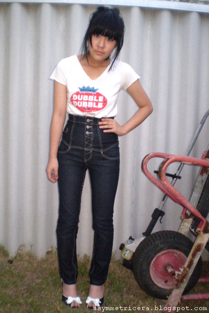 t-shirt - Valleygirl jeans - Charles & Keith shoes