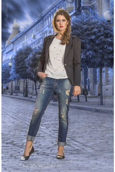 Blue Jeans, Black Blazers, Off White Ts, Shirts, Black ...