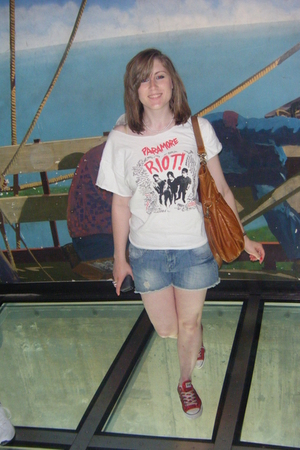paramore t-shirt - Converse shoes - Topshop purse - Primark shorts