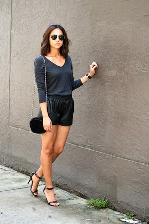 faux leather H&M shorts - v-neck Uniqlo sweatshirt