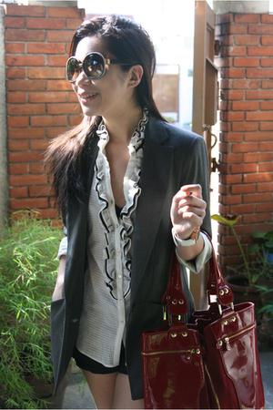 gray Zara jacket - white Zara shirt - black Mango shorts - silver Carbon shoes -