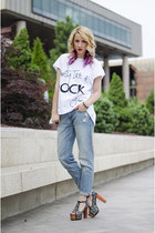 white message Yellow Motif t-shirt - blue boyfriend H&M jeans