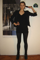 black Pimkie blazer - black H&M top - black Stradivarius tights - black red lips
