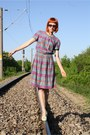 Magenta-vintage-dress-light-purple-thrifted-belt-aquamarine-bb-up-heels