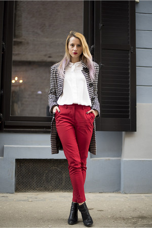 red poema pants - black Stradivarius boots - black houndstooth c&a coat